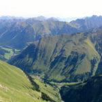 Blick von der Elmer Kreuzspitze gen Norden mit Zugspitzmassiv © Gipfelfieber.com