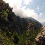 Beeindruckende Felsformationen säumen den Weg © Gipfelfieber.com