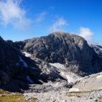 Der Weg vom Hohen Brett geht erst über den Grat und dann erstmal abwärts © Gipfelfieber.com