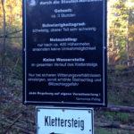 Hinweisschild auf dem Weg zum Einstieg © Gipfelfieber.com