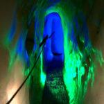 Stimmungsvolle Beleuchtung in der Eishöhle © Gipfelfieber.com