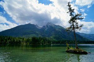 Das Hochkaltermassiv über dem Hintersee © Gipfelfieber.com