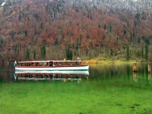 """Zurück geht`s passenderweise mit dem Schiff """"Funtensee"""" © Gipfelfieber.com"""