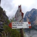 Wegweiser zum Mario Foletti Klettersteig © Gipfelfieber.com