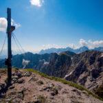 Das unvollständige Gipfelkreuz der Pyramidenspitze © Gipfelfieber.com