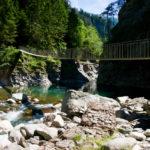 Hängebrücke über den Hinterrhein © Gipfelfieber.com