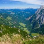 Tief hinab ins Kaiserbachtal © Gipfelfieber.com