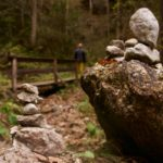 Steinmänner am Eingang in die Mayrbergklamm ©Gipfelfieber